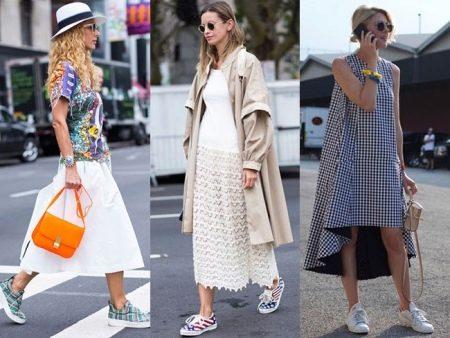 Сочетание платье кроссовки