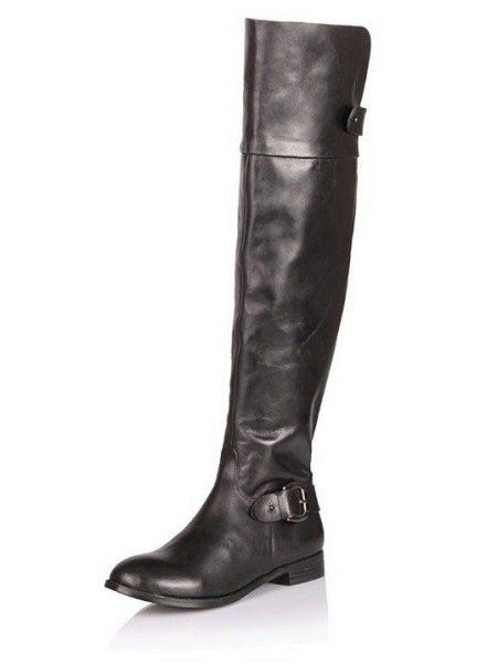 Модель сапогов с широким голенищем, в которые можно заправить брюки,  называется «темдера». Удобство и комфорт становятся модными как никогда.  Такую обувь ... 3a6fd719a77