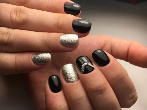 Маникюр серебро черный
