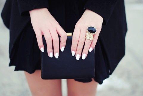 Маникюр для коротких ногтей под черное платье