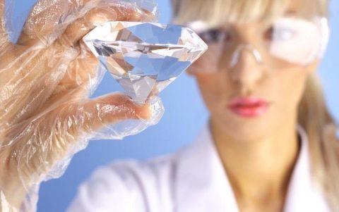 Фианит (51 фото): драгоценный ли камень? Его свойства ...