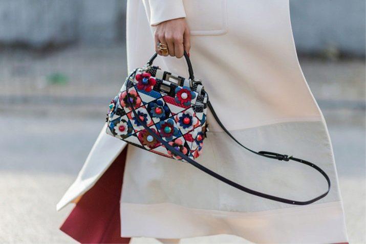 5efb4ec01a2d Женская сумка Fendi – верная спутница женщины. Она дарит чувство  уверенности и в каждом луке сморится по-разному. Это выбор тех, кто ценит  женское начало и ...