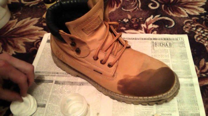 Как отмыть обувь от машинного масла