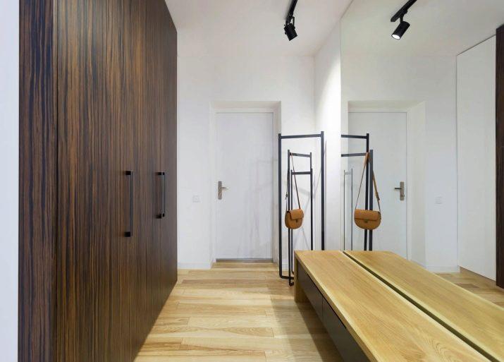 Прихожая для узкого коридора (74 фото): прихожие с зеркалом в дизайне квартиры, встроенная угловая мебель глубиной 30 см и модульные стенки в коридоре